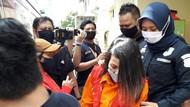 Terkuak, Perempuan Penyebar Hoax Video Syur Adalah Haters Syahrini