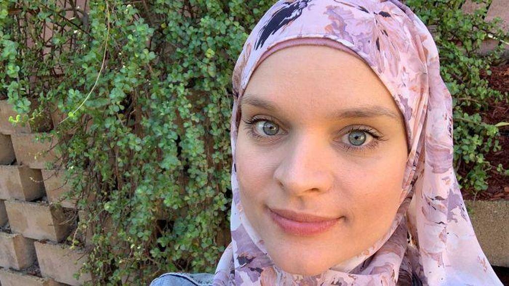 Pengalaman Perempuan Australia Belajar dan Masuk Islam dari Game Online