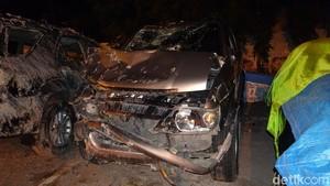 Foto-foto Mobil Kapolsek yang Tabrak Rumah dan Tewaskan 2 Orang