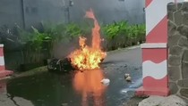 Motor Terbakar di Jember Gegara Hand Sanitizer Hoaks