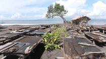 Petani di Klungkung Bali Keluhkan Tambak Garam Rusak Akibat Diterjang Ombak