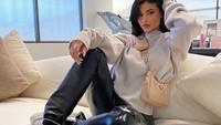 Pernyataan Kylie Jenner yang Geram Dituduh Bohong Soal Kekayaan