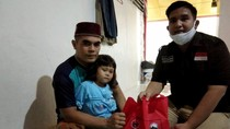 Tebar Paket Lebaran untuk Dai di Padang