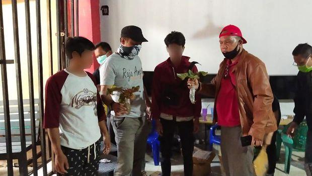 Dua Penjual Kantong Semar Langka Ditangkap