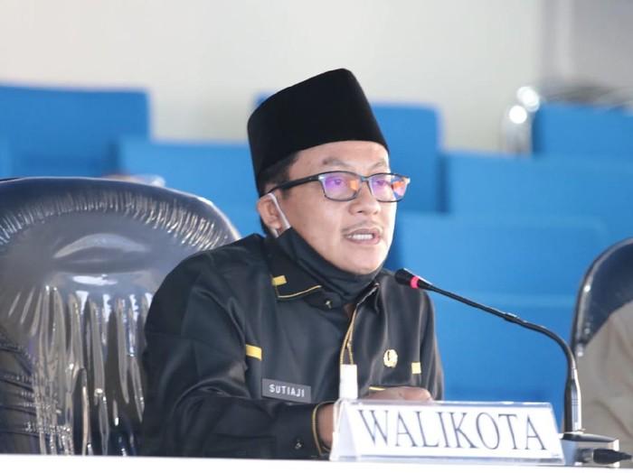Masa transisi menuju new normal menjadi tolak ukur kesiapan warga Kota Malang untuk menjalani tata kehidupan baru di tengah pandemi Corona. Seperti yang disampaikan Wali Kota Malang Sutiaji.