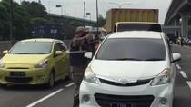 Ratusan Kendaraan Tanpa SIKM Terjaring Petugas di Tol Japek Km 47