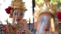 Penari di Thailand Jalani New Normal dengan Face Shield