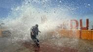 Waspada! Gelombang Tinggi Terjang Beberapa Pesisir Indonesia