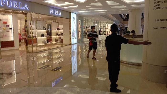 Sambut New Normal, Mal di Surabaya Uji Coba One Way,