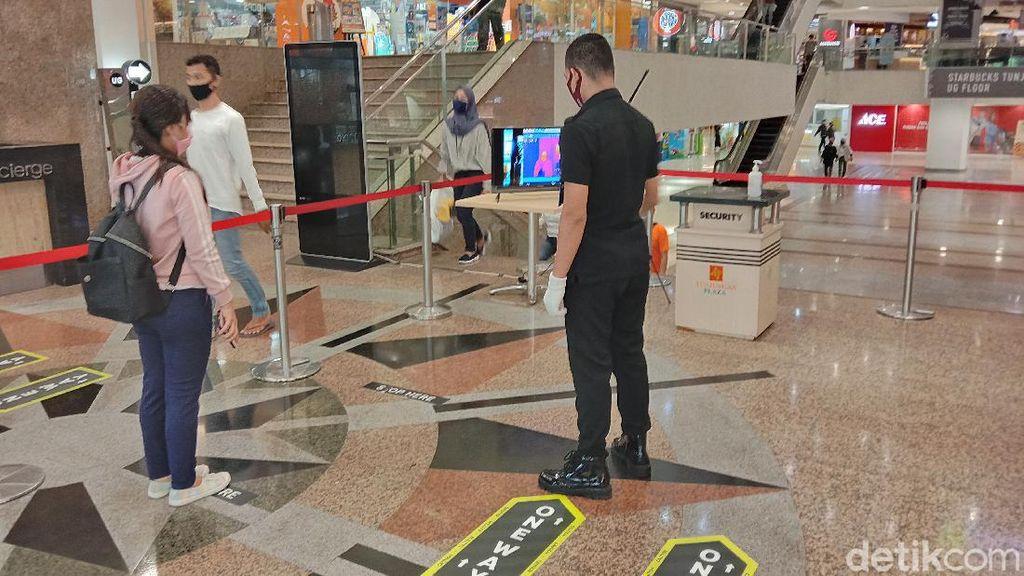 Sebuah Mal di Surabaya Uji Coba One Way System Sambut New Normal
