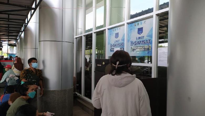 Loket e-Samsat di Kantor Samsat Bekasi