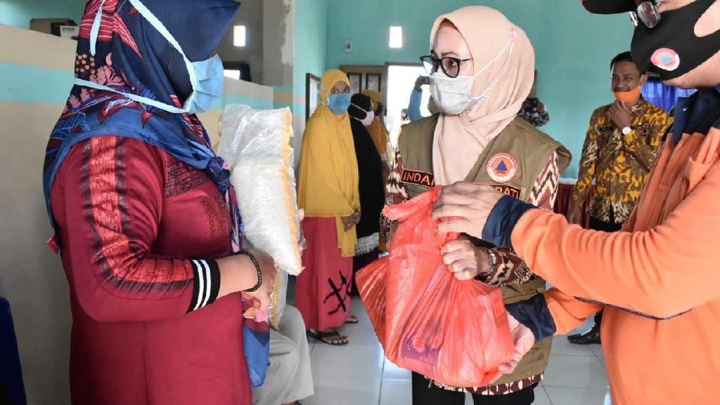 Pemda Luwu Utara Salurkan 1.183 Bantuan Logistik ke 6 Desa Terdampak Banjir