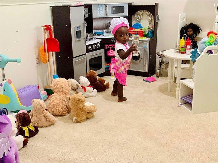 Bocah 2 Tahun Bikin Restoran Mainan