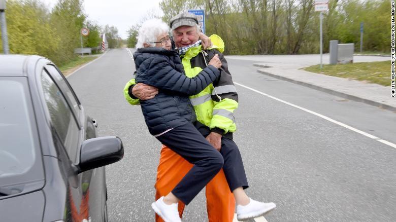 Pasangan yang terpisah karena perbatasan Denmark