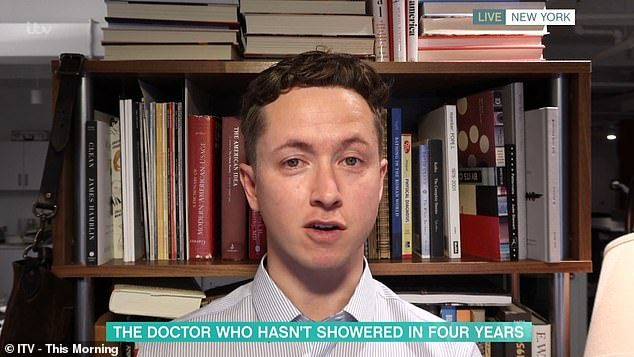 Dokter James Hamblin Mandi Tanpa Sabun