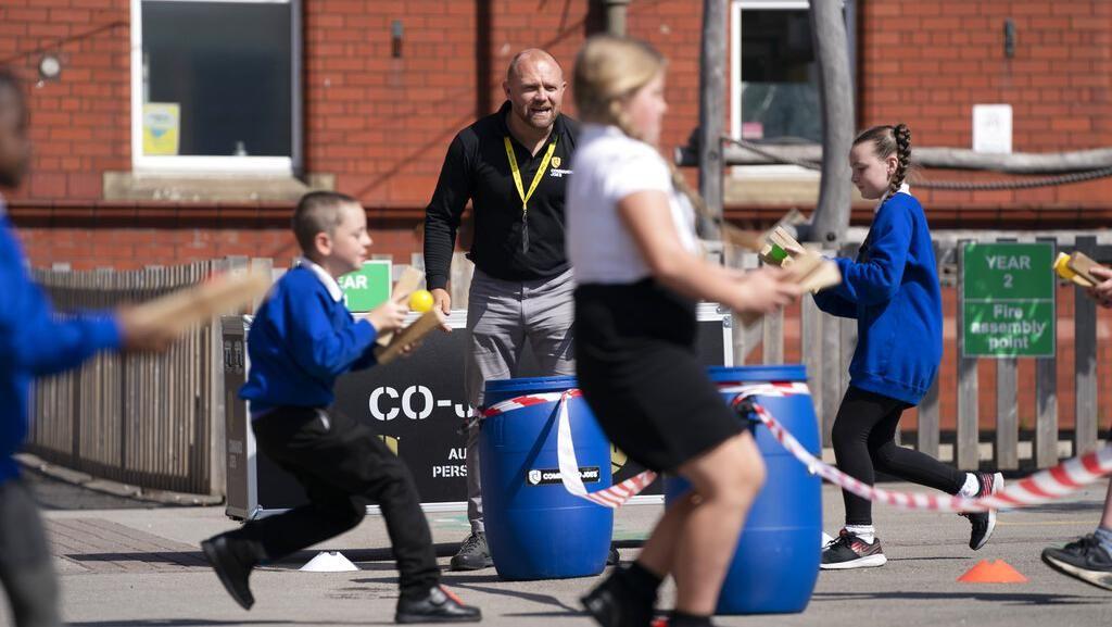 Aksi Veteran Inggris Bantu Sehatkan Mental Anak-anak saat Pandemi