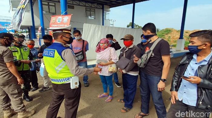 Cerita warga Sukabumi gagal ke Jakarta gegara tak kantongi SIKM