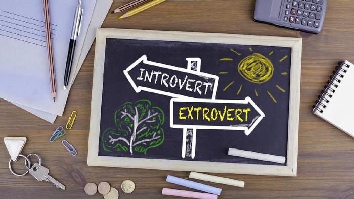 Ilustrasi anak introvert dan ekstrovert