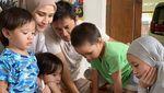 Lihat Keceriaan Zaskia Adya Mecca dan ke-4 Anaknya
