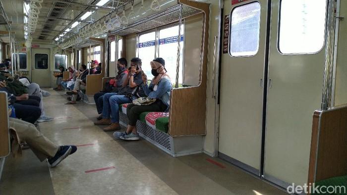 Suasana KRL di Stasiun Bogor, Sabtu (30/5/2020).