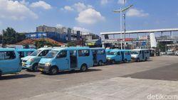 Penghasilan Anjlok Gegara Corona, Sopir Angkot Minta Perhatian Pemerintah