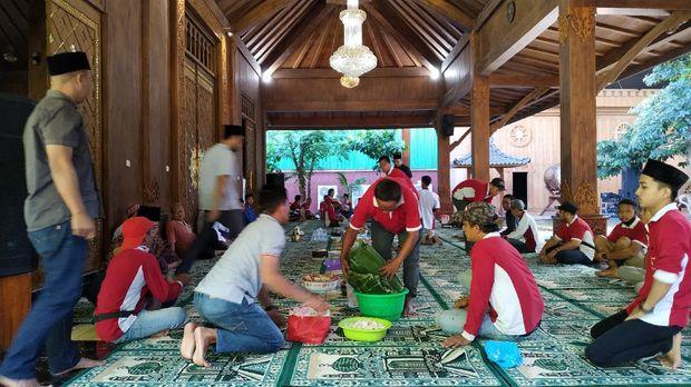 Tradisi Kupatan Ala Kampung Coklat Blitar
