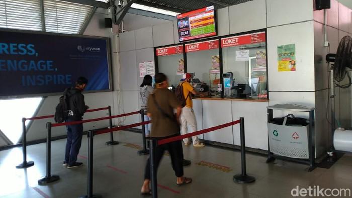 Suasana Stasiun Bogor pagi ini