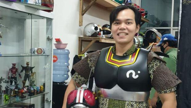 dokter dengan APD superhero Foto: Instagram @erric_manibuy (Dipublikasikan atas izin yang bersangkutan)