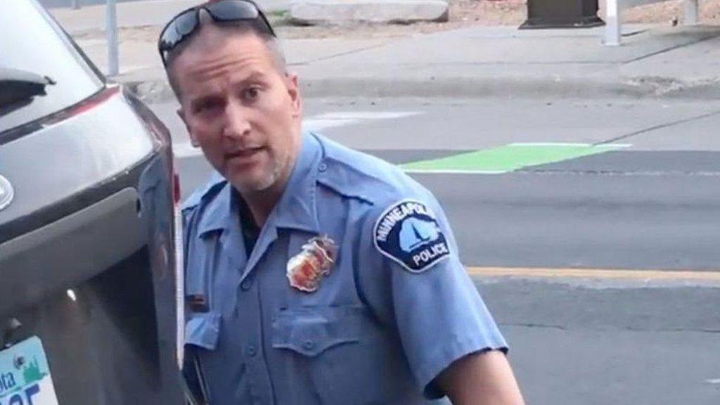 Dakwaan Polisi AS yang Bunuh George Floyd Dinaikkan, 3 Polisi Lain Ditangkap