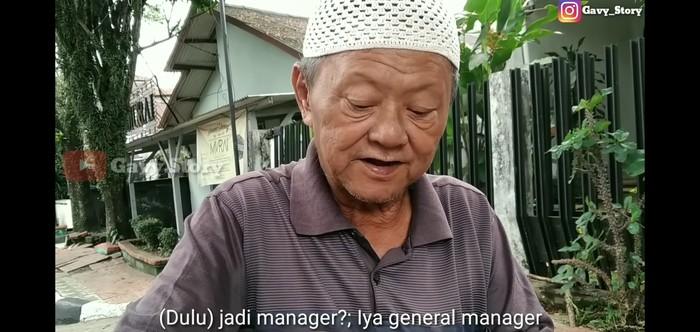 general manager jadi tukang cincau