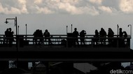 Warga Masih Abaikan Jaga Jarak di Tengah Pandemi Corona
