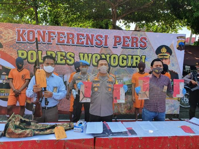 Lima pencuri motor dan senapan di Wonogiri dibekuk polisi, Sabtu (30/5/2020).