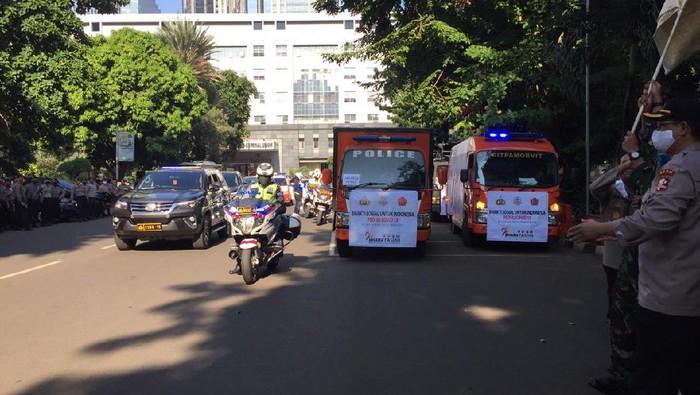 TNI-Polri salurkan bantuan 15.000 sembako ke warga terdampak COVID-19