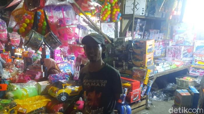 Fajar, Pedagang di Pasar Gembrong Jaktim