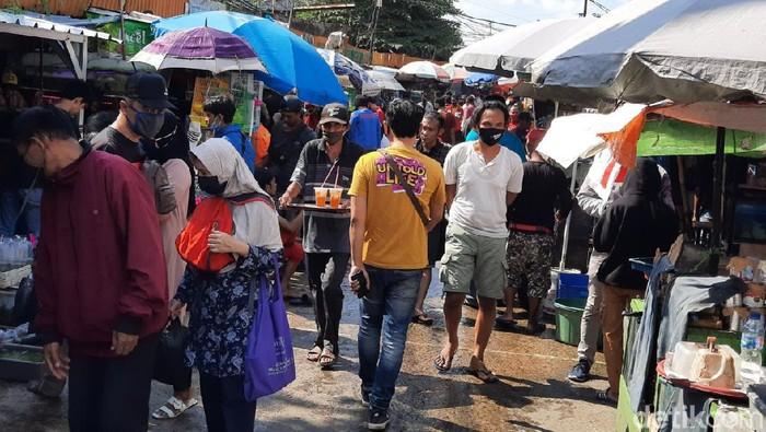 Suasana di Pasar Hewan Jatinegara Jakarta Timur