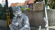 Cerita Manusia Silver di Kota Tua, Bertahan Meski Minim Pendapatan
