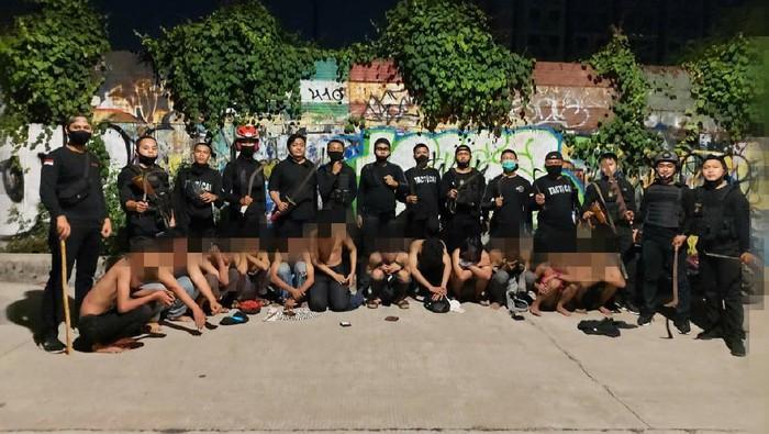 Polisi Amankan 12 Anggota Geng Motor yang Hendak Tawuran di Jakbar.