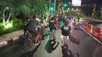 Potret Suasana Malam di Kota Surabaya Saat PSBB Jilid 3