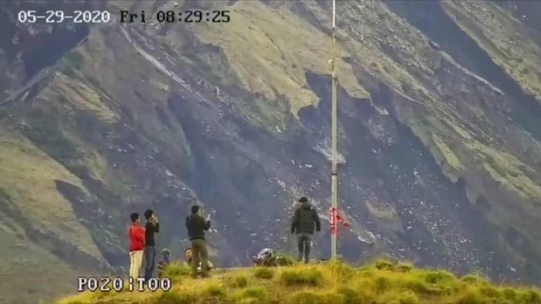 Pendaki Ilegal di Taman Nasional Gunung Rinjani