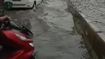 Hujan Lebat Bikin Jalan Protokol di Makassar Banjir, Ini Kata BMKG