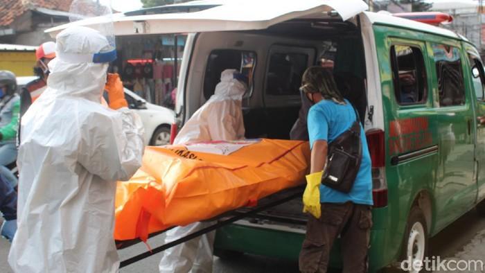 Jasad perempuan di Bandung ditemukan membusuk di kamar kosan