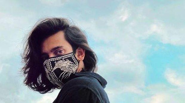 Masker desainer oleh Biyan (Instagram Biyanofficial)