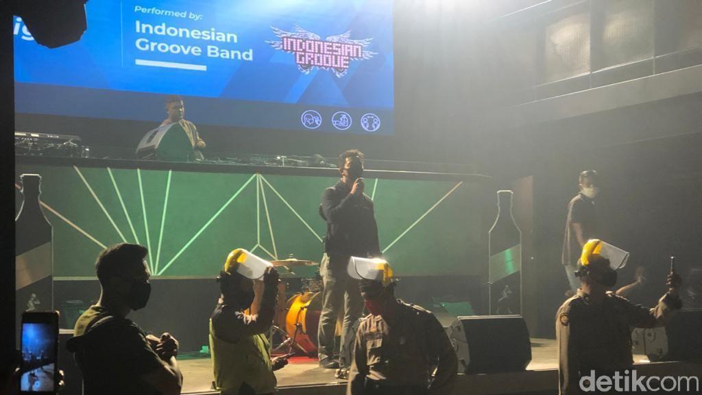 Langgar Protokol Kesehatan, Polisi Bubarkan Pengunjung Bar di Medan