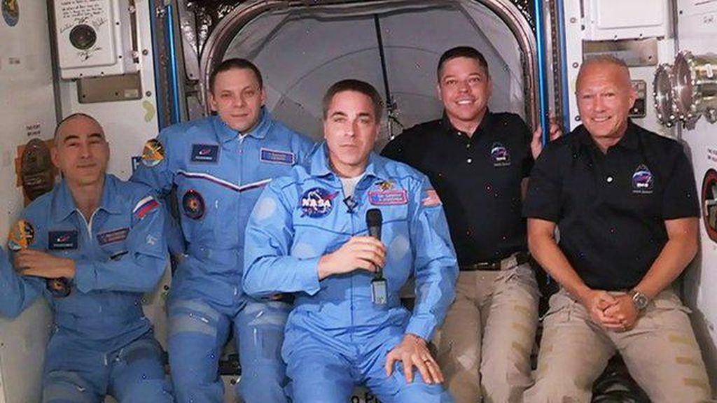 Pesawat SpaceX sedang Dalam Perjalanan Menuju Bumi