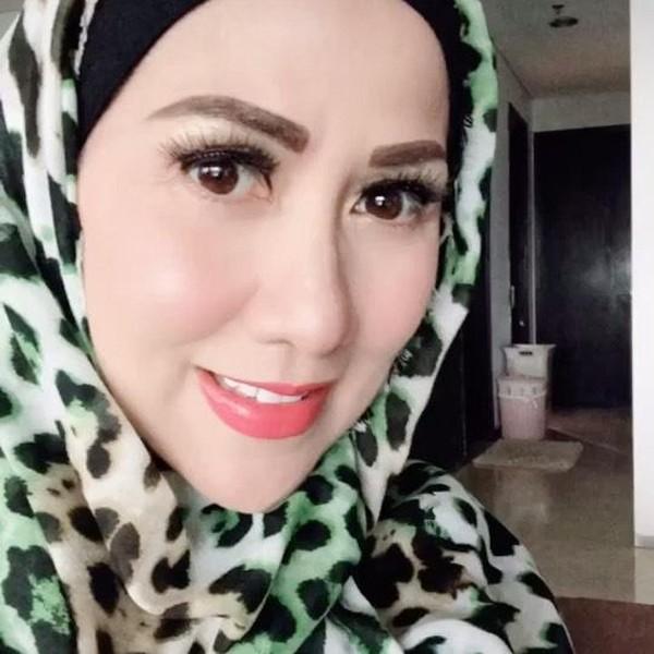 Foto: Deretan Gaya Venna Melinda yang Kini Hijrah Memakai Hijab