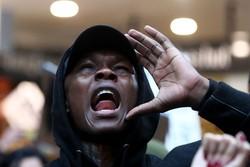 Petarung UFC Israel Adesanya Ikut Demo Kematian George Floyd