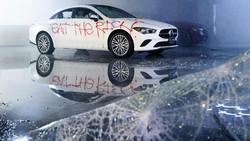 Dealer Mercedes-Benz Juga Dirusak Pendemo Kematian George Floyd