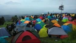Viral Puluhan Traveler Kemping di Bukit Alas Bandawasa Saat PSBB