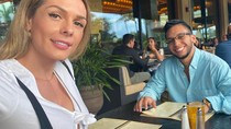 Momen Kulineran Danna Sultana, Model Transgender yang Bikin Heboh