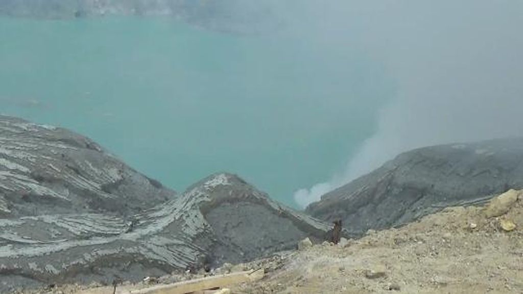 Ini Dugaan Penyebab Gelombang Tsunami di Kawah Ijen Menurut Pengamat